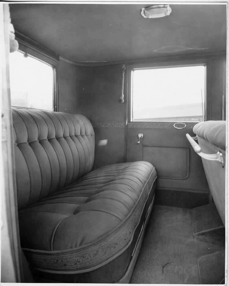 1925-1926 Packard club sedan, view of rear interior through right rear side door