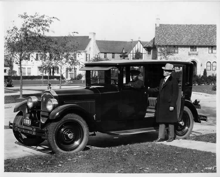 1925-1926 Packard sedan, owner W.E. Weldon at passenger door