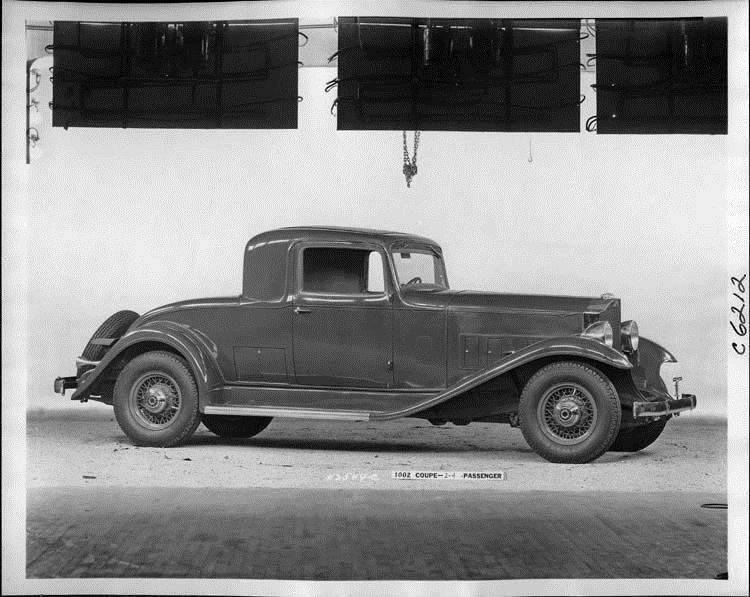 1933 Packard coupe, nine-tenths right side view