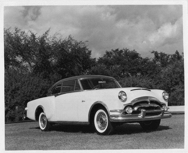 1953 Packard Balboa-X designed by Richard Teague, seven-eights right side view