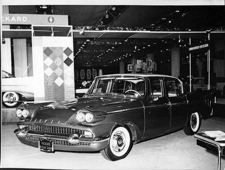 1958 Packard 4-door sedan, three-quarter front view