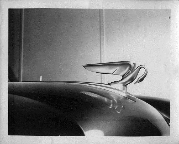 1952 Packard Pelican hood ornament, right side view