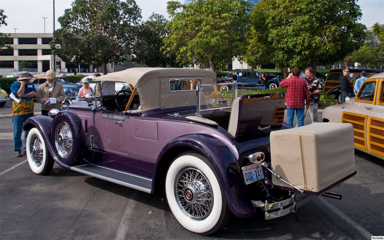 1929 Packard 640 Custom Eight Runabout - purple - rvl
