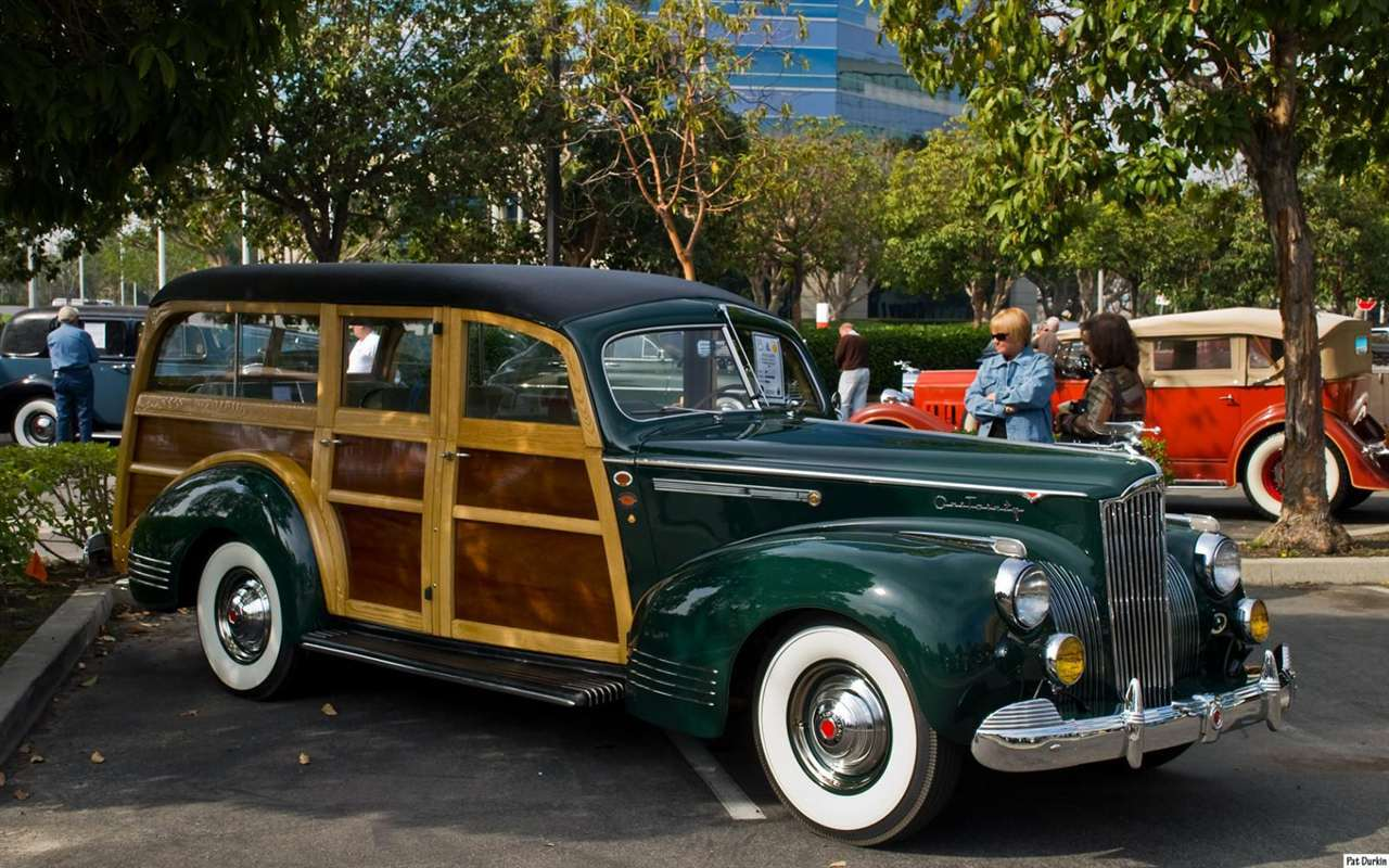 1941 Packard model 1901 Station Wagon - dark green - fvr