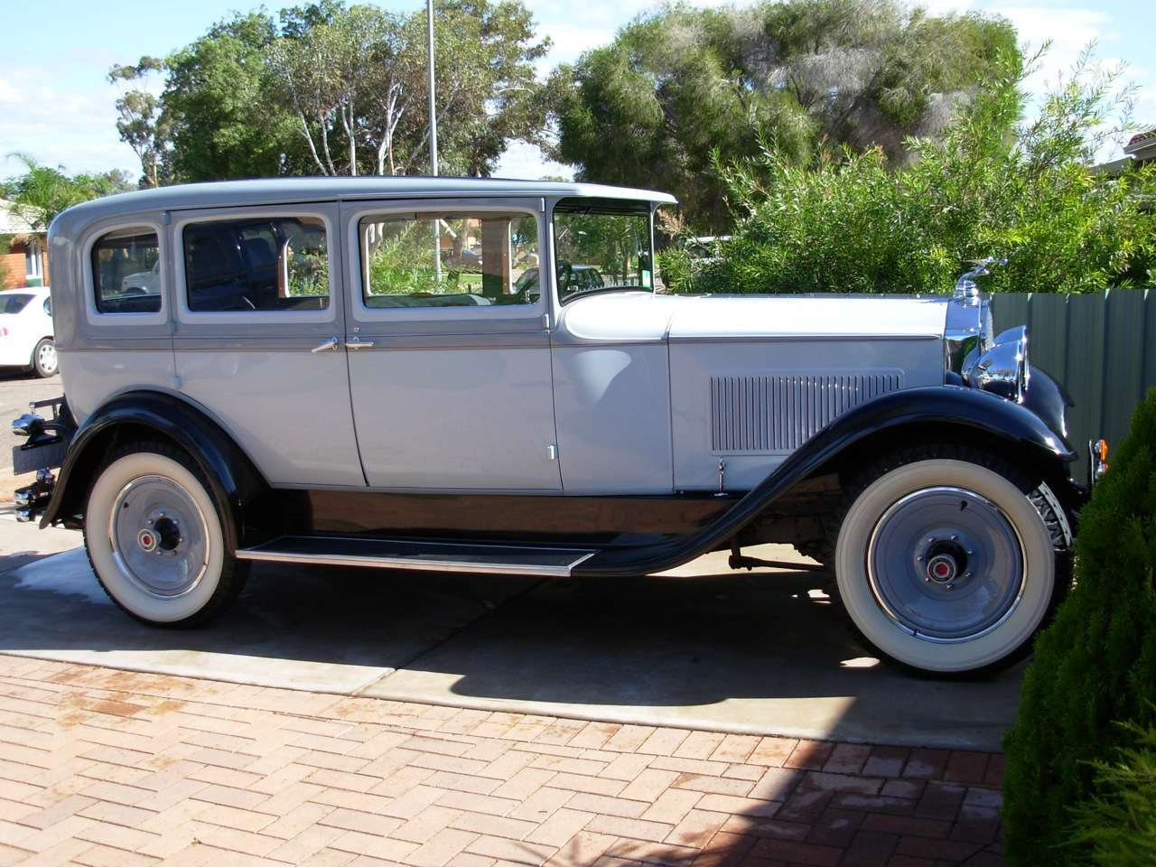 1930-726 Sedan