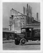 1918-19 Packard truck in factory yard