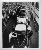 1948-49 Packards on final assembly line